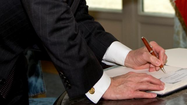 How to determine whether to hire a will writing service or not